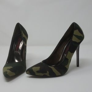 2 lips too Camouflage Too Lola heels